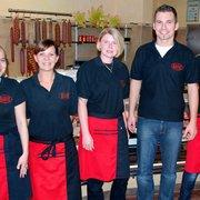 Das Team der Metzgerei Hack in Freising,…