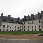 A fachada do lindo castelo de Amboise.