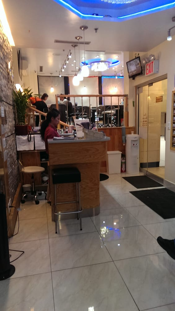 Decent front welcome area yelp for 24 hr nail salon nyc
