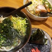 Wakame Udon + Onigiri + Soba avec canard