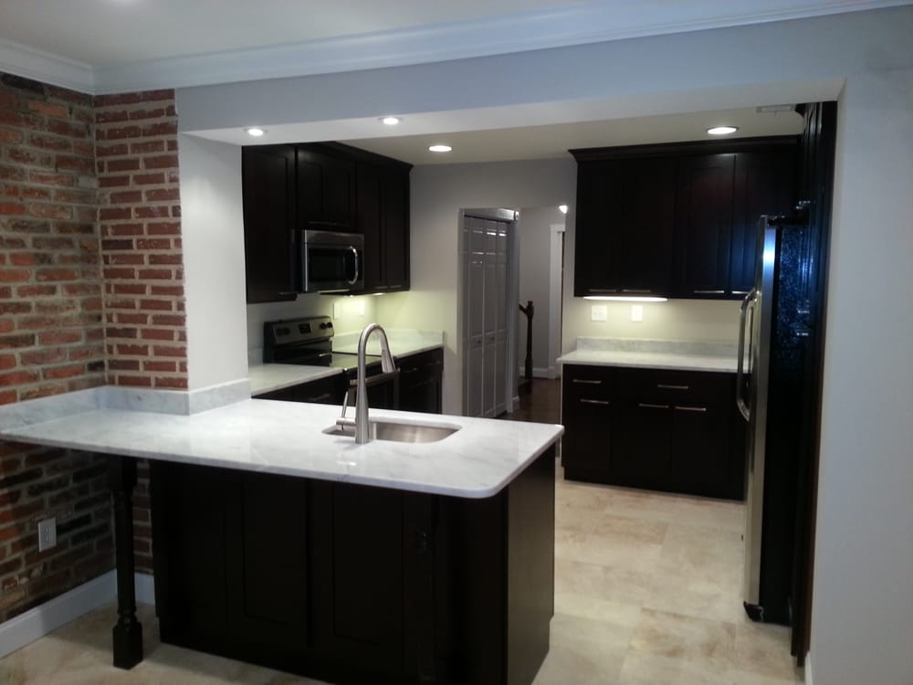 Custom Kitchen with Maple cabinets, White Carrera marble countertops ...