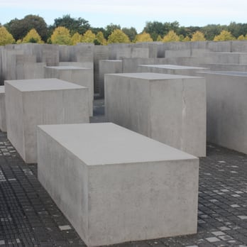 Field of stelae (slabs) toward the Tiergarten