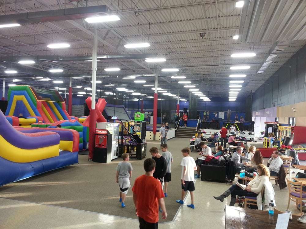 Crystal Lake (IL) United States  city images : Mega Trampoline Fun Zone Crystal Lake, IL, United States