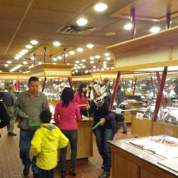 Bellevue Old Country Buffet Shuts it's Doors. By Robert Lee. Bellevue's Factoria branch of Old Country Buffet closed on Aug 29th The Bellevue location opened in Factoria Mall over 20 years ago and was a popular stop for many.