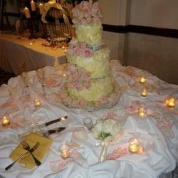 European Cake Gallery - Black forest wedding cake with white chocolate shavings! - San Diego, CA, Vereinigte Staaten