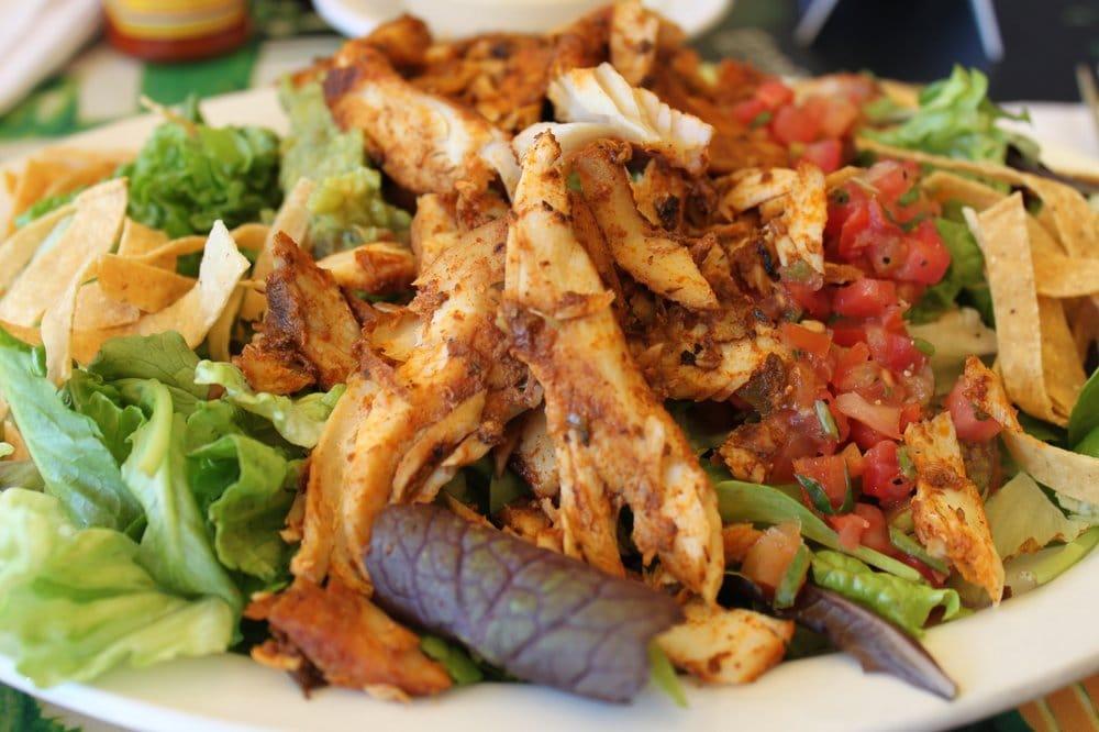 Wahoo 39 s blackened fish salad yelp for Wahoo fish taco