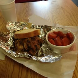 Uncle Wendell's BBQ Catering, and Bakery - Ribmeat Sandwich & Cream Soda Carrots - Des Moines, IA, Vereinigte Staaten