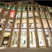 Kaufhaus Tyrol Fassade bei Nacht