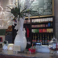 Bonjour Cafe Bakery - Nice place. Very appealing to the eye. - Chicago, IL, Vereinigte Staaten
