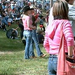Pleasure park rodeo cowgirls in pink etna ca vereinigte staaten