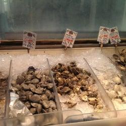Harbor fish market 38 photos seafood markets old for Portland fish market