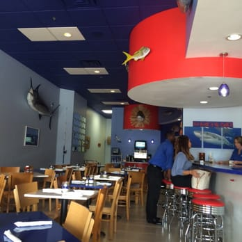 Off the hook seafood restaurant closed 41 photos for Fish restaurants in boca raton
