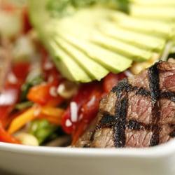 Boulevard Burger & Tap - Denver, CO, États-Unis. Thai Beef Salad