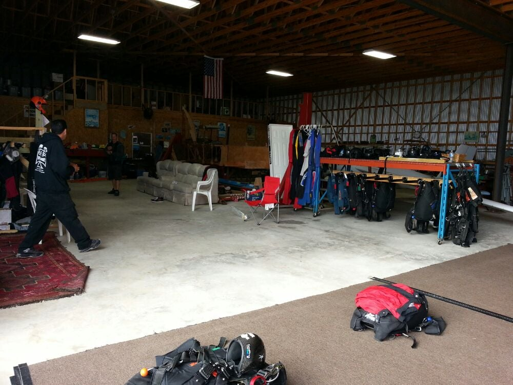 Sealy (TX) United States  City new picture : Westside Skydivers Sealy, TX, United States. Equipments