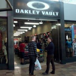 oakley valut