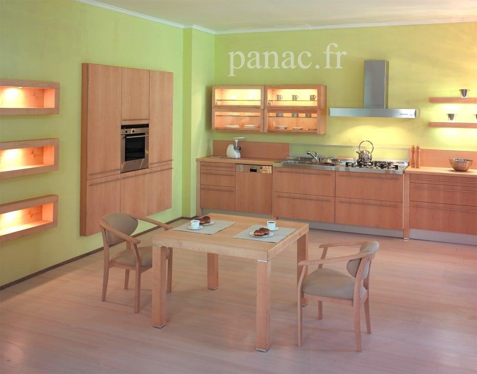 Cuisine sur mesure avec colonnes et niches encastr es dans for Cuisines encastrees