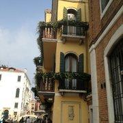 American-Dinesen, Venezia