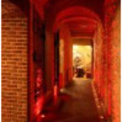 wejście niczym do podziemnych lochów ;)