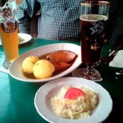 Essen 7.90 € und Bier 2.70 €