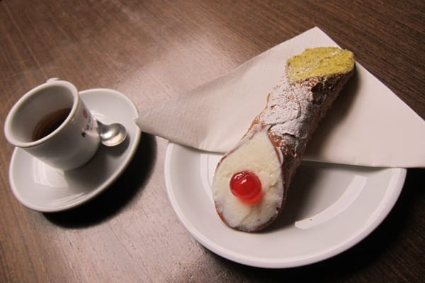 Single espresso & Cannoli :)
