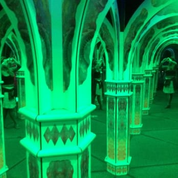 Magowan S Infinite Mirror Maze 78 Photos Arts Entertainment Fishe