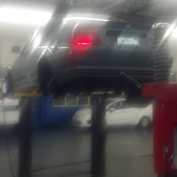 Pep Boys Automotive Supercenters - Dirty Dianna gets new shoes. 300,000 and yet more miles to go - Granada Hills, CA, Vereinigte Staaten