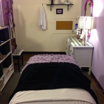 bouton d 39 acn creme 20 ans. Black Bedroom Furniture Sets. Home Design Ideas
