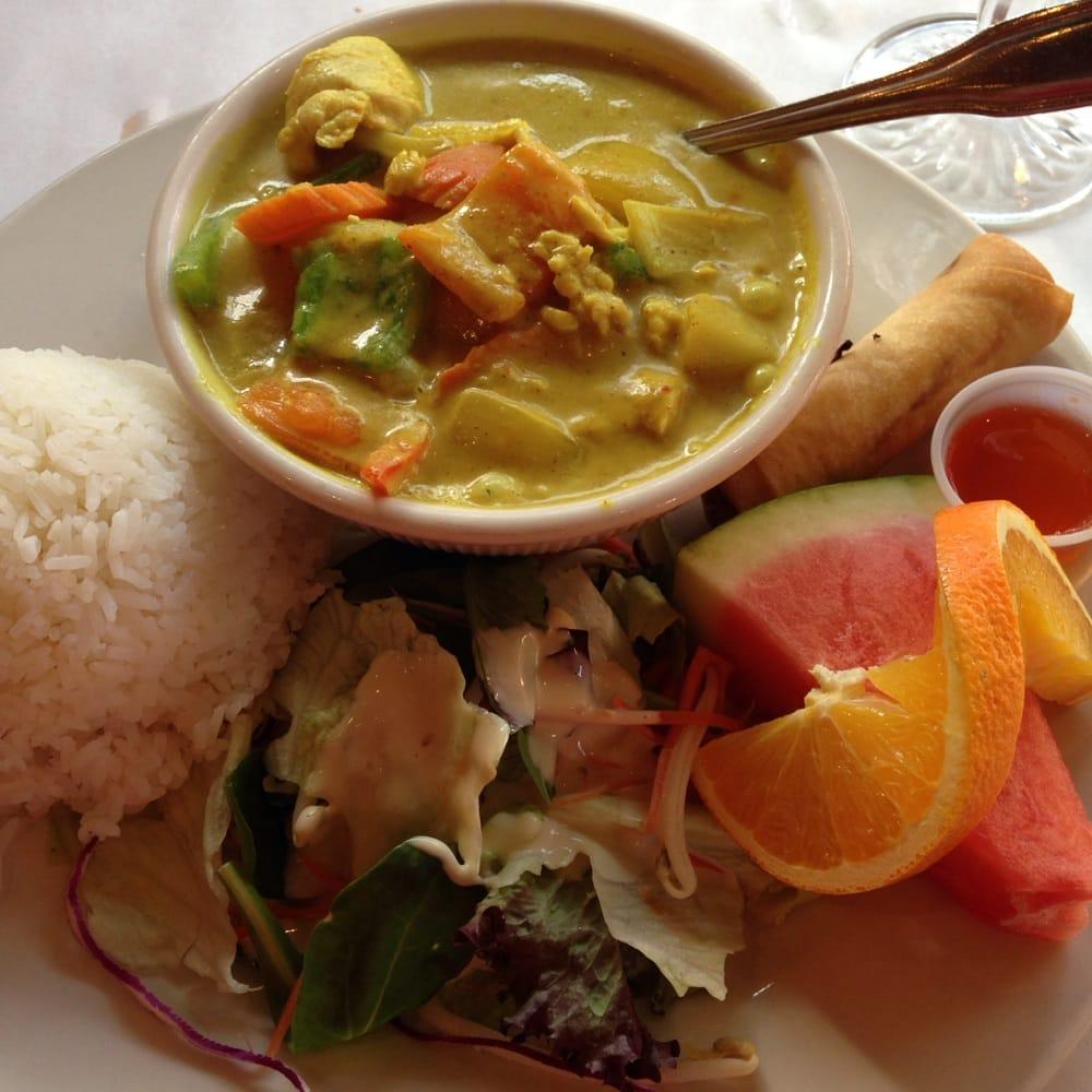 Royal thai cuisine closed 84 photos thai gaslamp for Arlene s cuisine