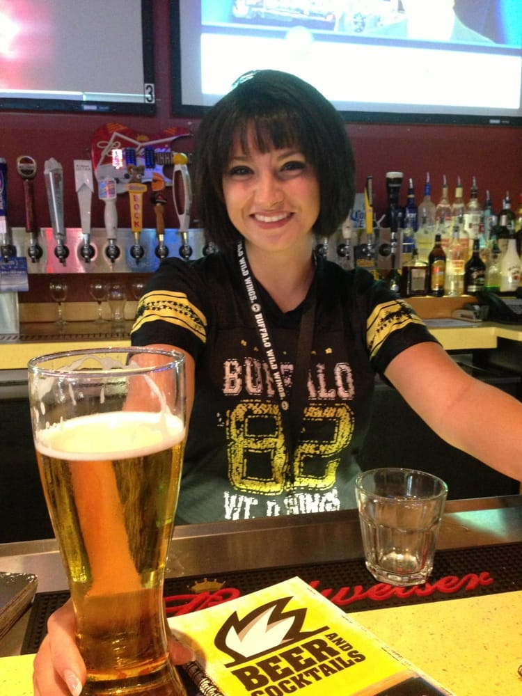Bowling Green (FL) United States  city pictures gallery : Buffalo Wild Wings Bowling Green, KY, United States. Krys our ...