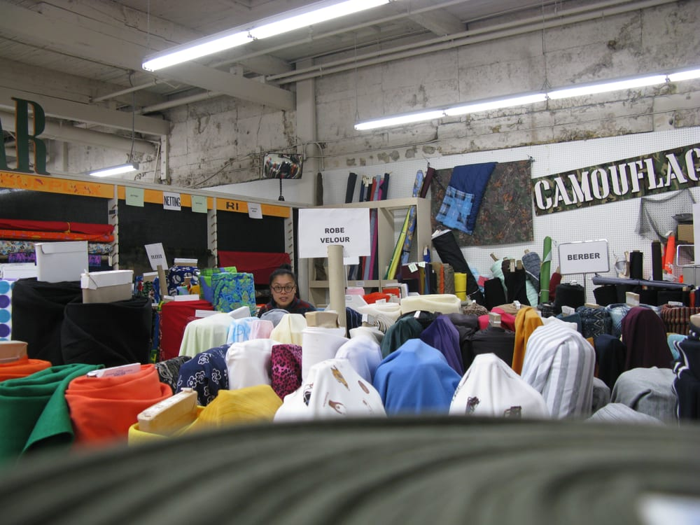 Mill end retail fabric store fabric stores portland for Fabric outlet near me