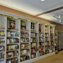McIntyre's Books - An impressive mystery section with staff recommendations to match - Pittsboro, NC, Vereinigte Staaten
