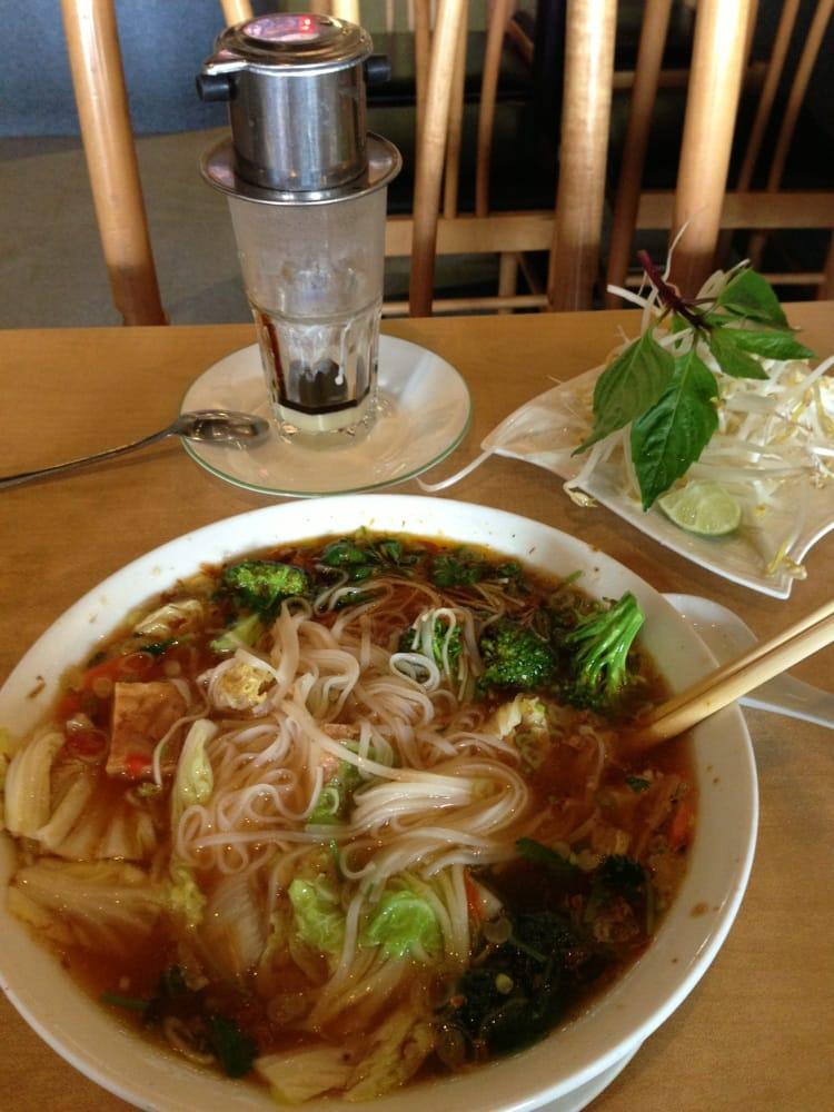 Pho linh vietnamese restaurant 34 photos vietnamese - Vietnamese cuisine pho ...