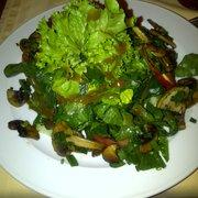 Spinatsalat mit gebratenen Champignions