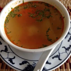 Suppe zum Mittagsgericht
