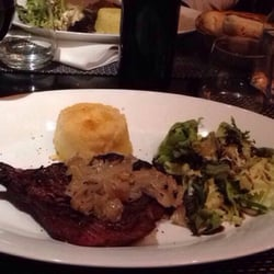 Le Grill au Thym - Bordeaux, France. Bavette w onion sauce and homemade mashed potatoes
