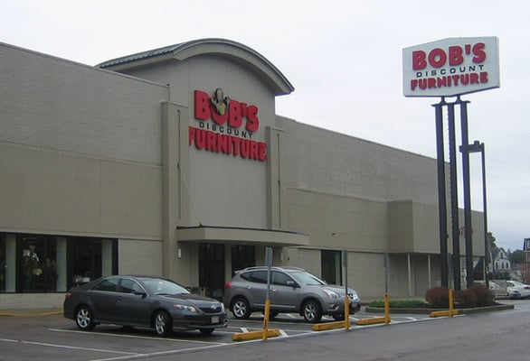 Bob s discount furniture furniture stores dedham ma for Wholesale furniture stores online