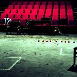 Le Garage - Théâtre de l'Oiseau Mouche - Roubaix, Nord, France. Compagnie de l'Oiseau-Mouche theatre théâtre