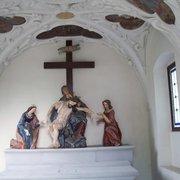 Beweinungskapell mit Pieta