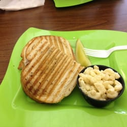 Carm's Cafe - Homemade Chicken salad  on toasted Rye with a side of macaroni salad. - Concord, NC, Vereinigte Staaten