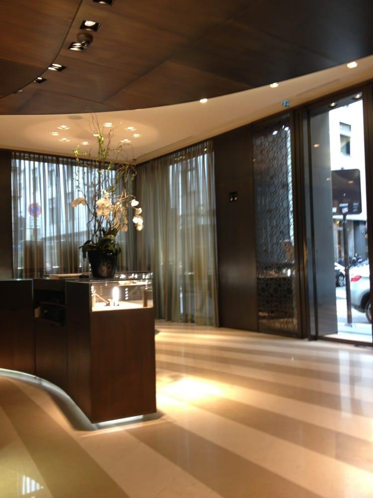Boutique damiani jewelry centro storico milan italy for Boutique hotel milano centro