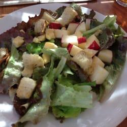 Elk Creek Cafe + Aleworks - Cheddar and apple salad - Millheim, PA, Vereinigte Staaten