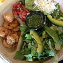 Baja Fresh - Beaverton, OR, États-Unis. Side by side salad with shrimp