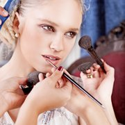 Bodyzone Kosmetik Behandlungen z.B.:…