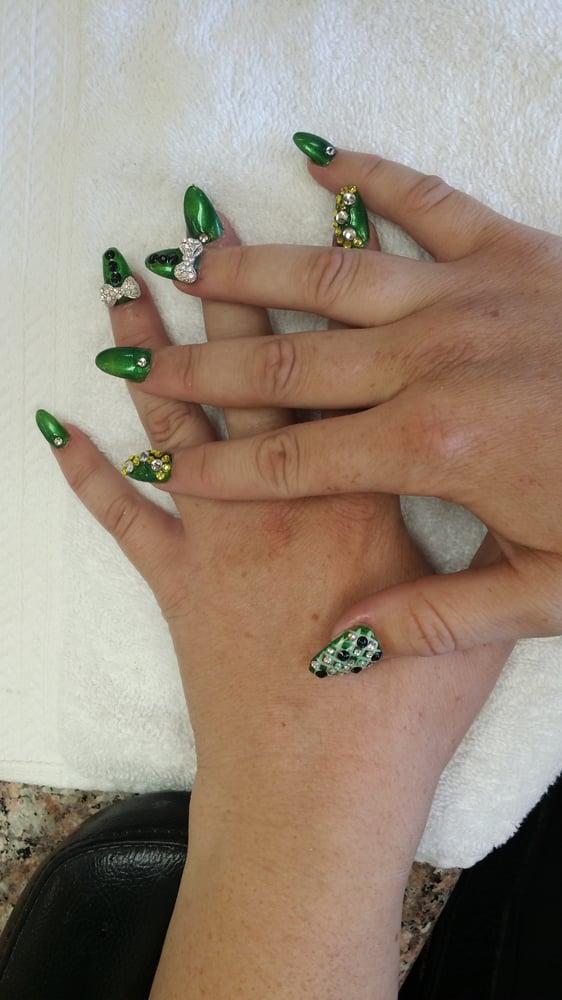 nails lake elsinore
