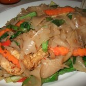 Ton Yong Thai Cafe - Pad Kee Mao with tofu and mixed veggies ($7.50) - San Francisco, CA, Vereinigte Staaten
