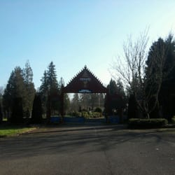 west linn buddhist single men Divorce retreat, west linn,  she grows up believing that intimate relationships with men are precarious and unsafe  navigating the holidays as a single parent.