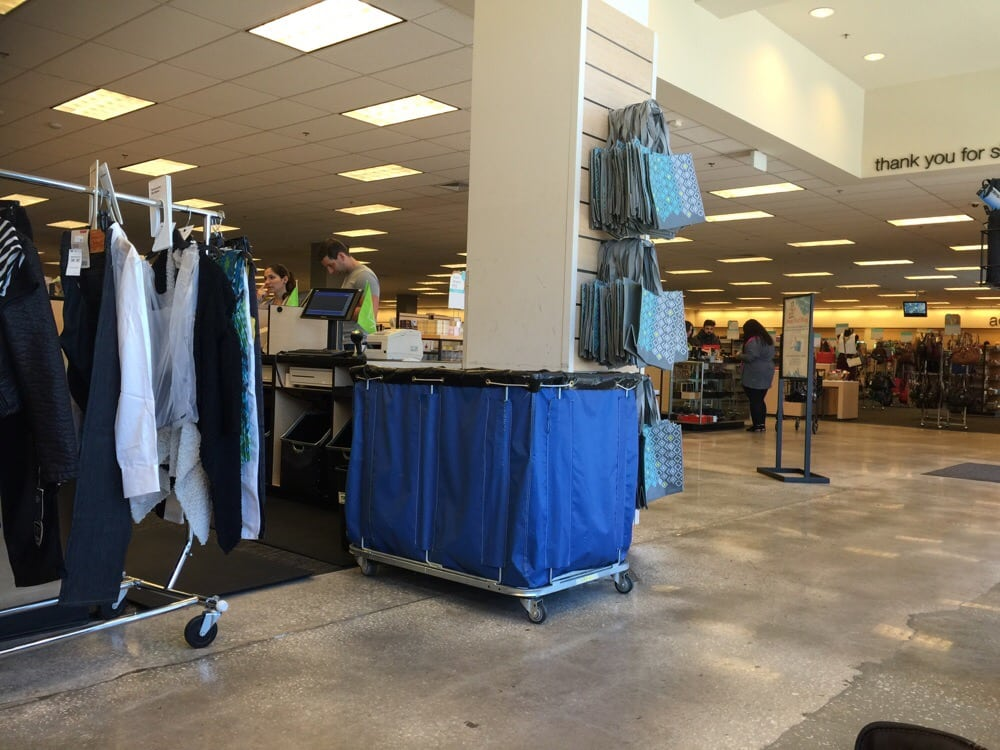 Nordstrom International Plaza | Clothing Store - Shoes ...