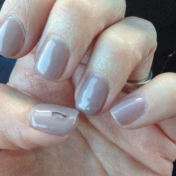 Gel nails with bubbles