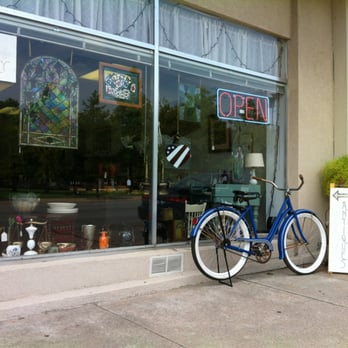 Vintage and collectable antiques 114 e irving blvd for Furniture stores in irving tx