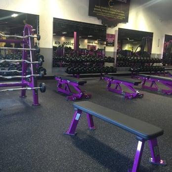 Planet Fitness Cerritos 22 Photos 38 Reviews Personal Trainers 12831 Towne Center Dr